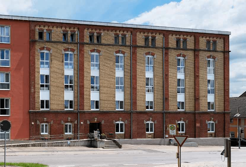Wohn- und Pflegezentrum Warthausen | Wir vermitteln Pflegeapartements | pflegeobjekt.de